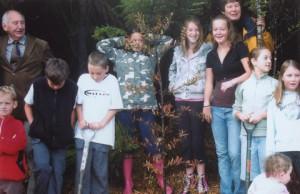Cliff Heraud with school children